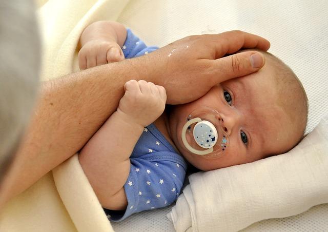 ruka na miminku