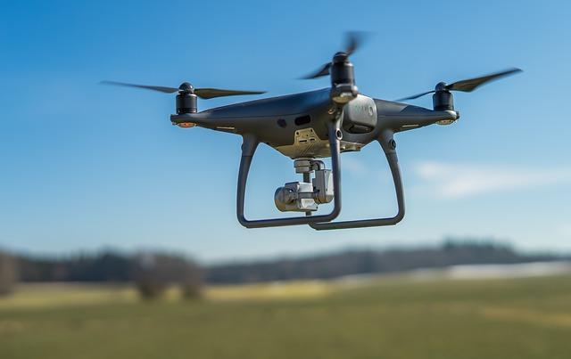 dron ve vzduchu