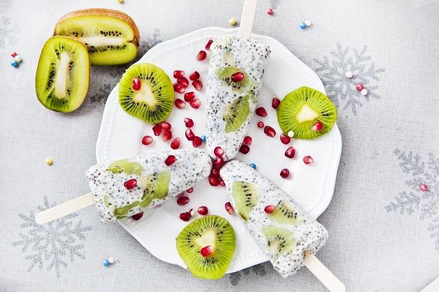 ovocné nanuky s pochutinami